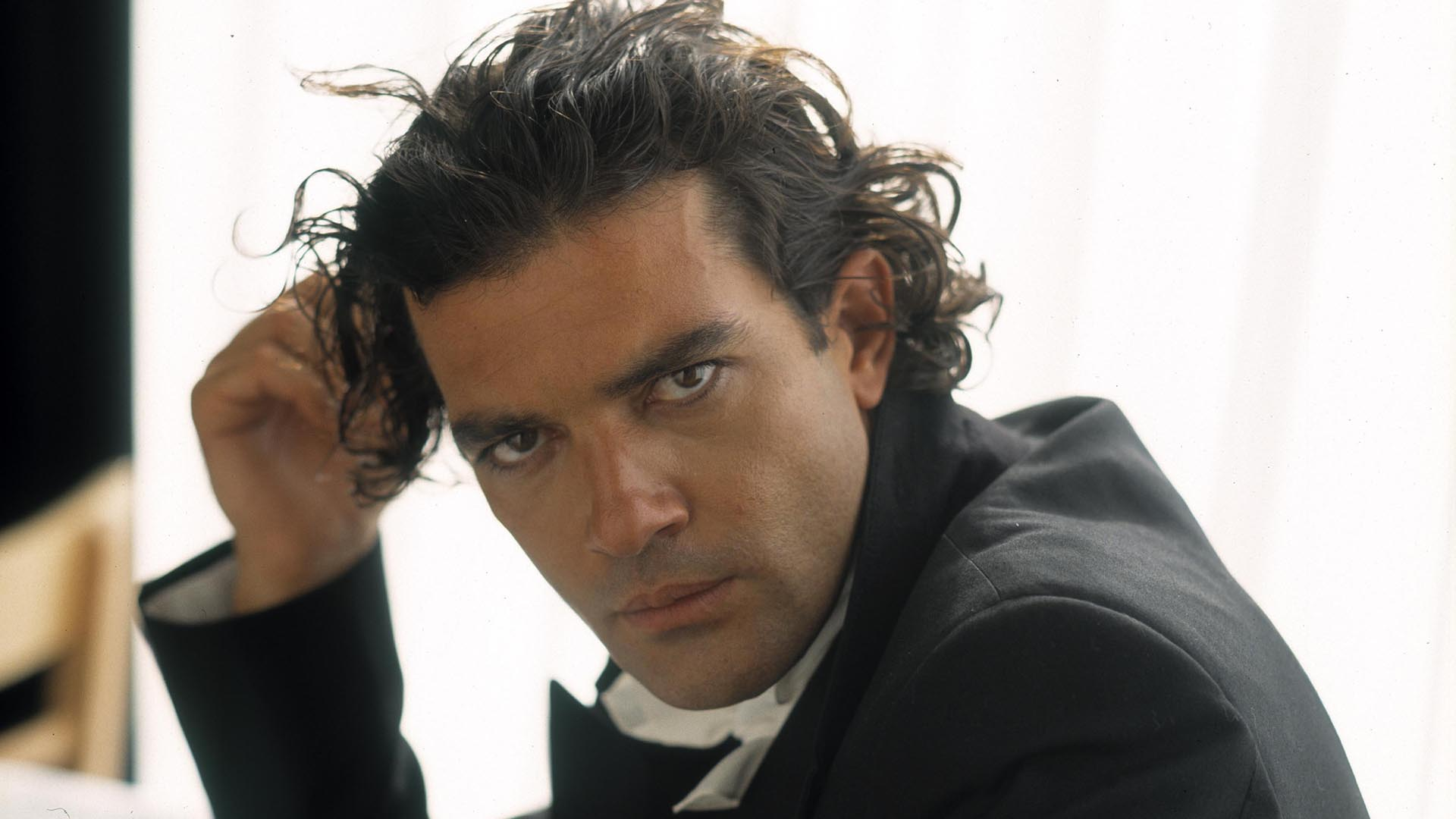 15 HD Antonio Banderas Wallpapers - HDWallSource.com Antonio Banderas
