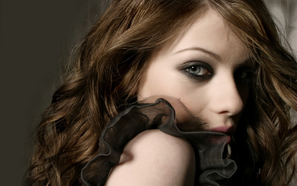 beautiful michelle trachtenberg wallpapers