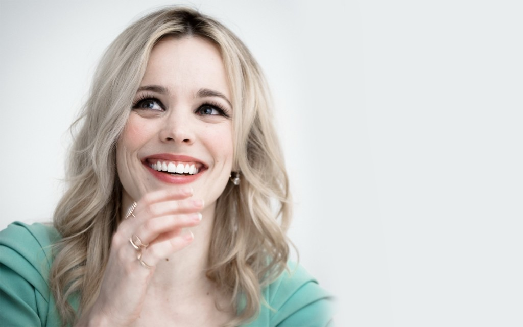 happy rachel mcadams wallpapers