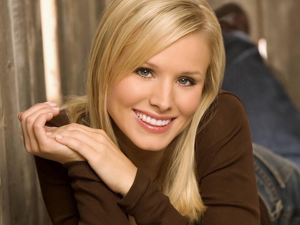 kristen-bell-23614-24268-hd-wallpapers