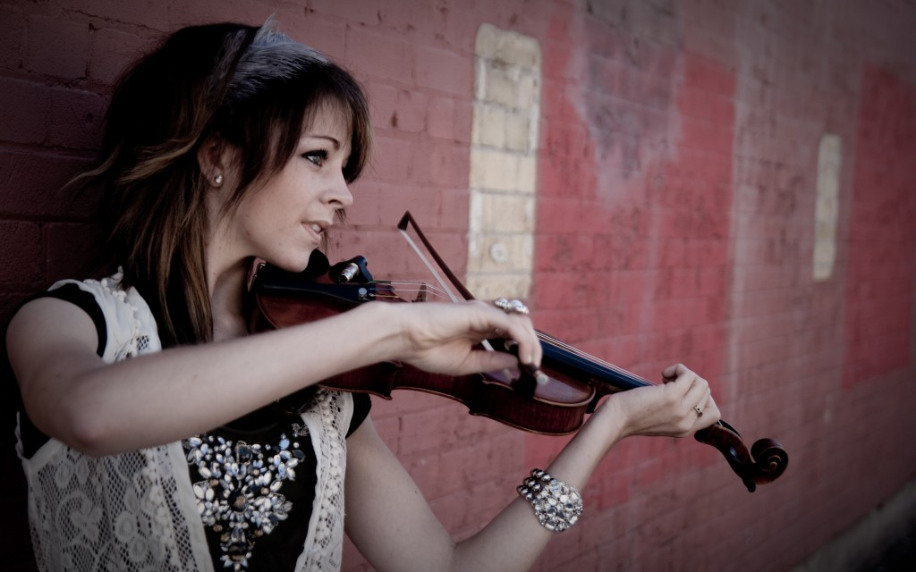 lindsey-stirling-22680-23296-hd-wallpapers