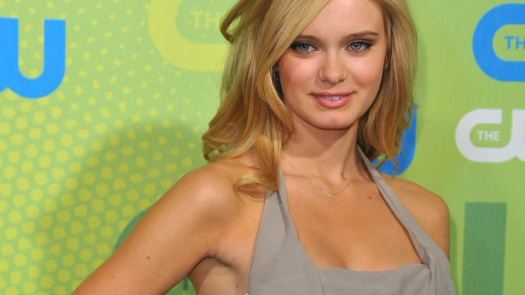 sara paxton celebrity wallpapers
