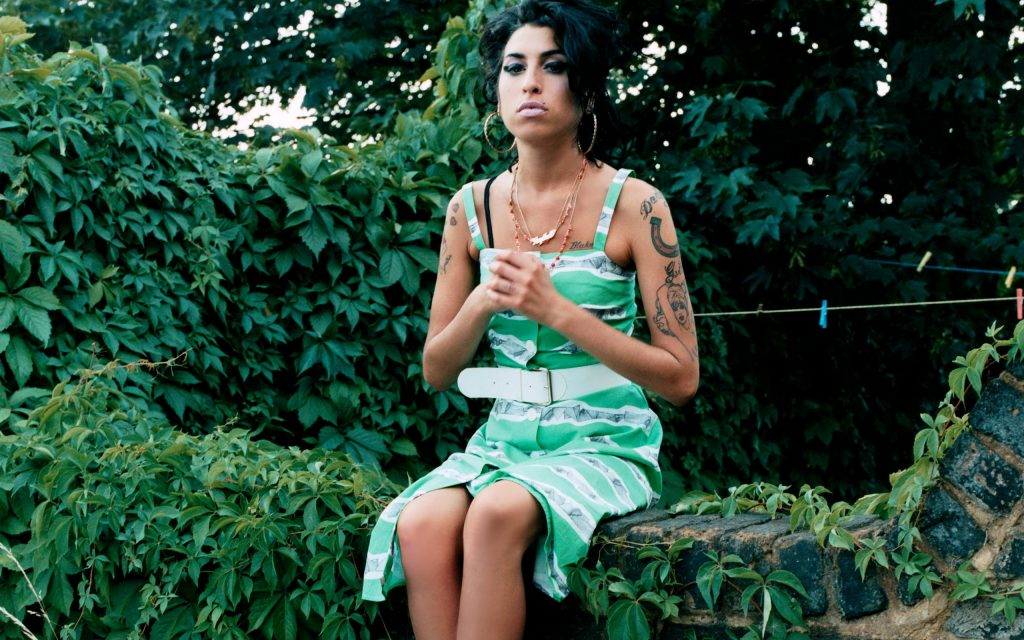 amy winehouse widescreen wallpapers