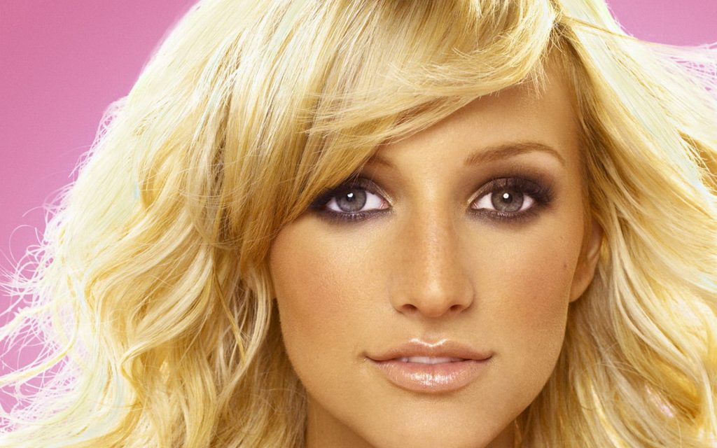 ashlee simpson face wallpapers