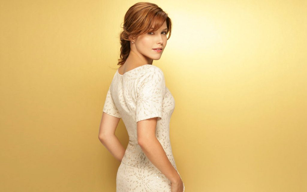 beautiful sophia bush wallpapers