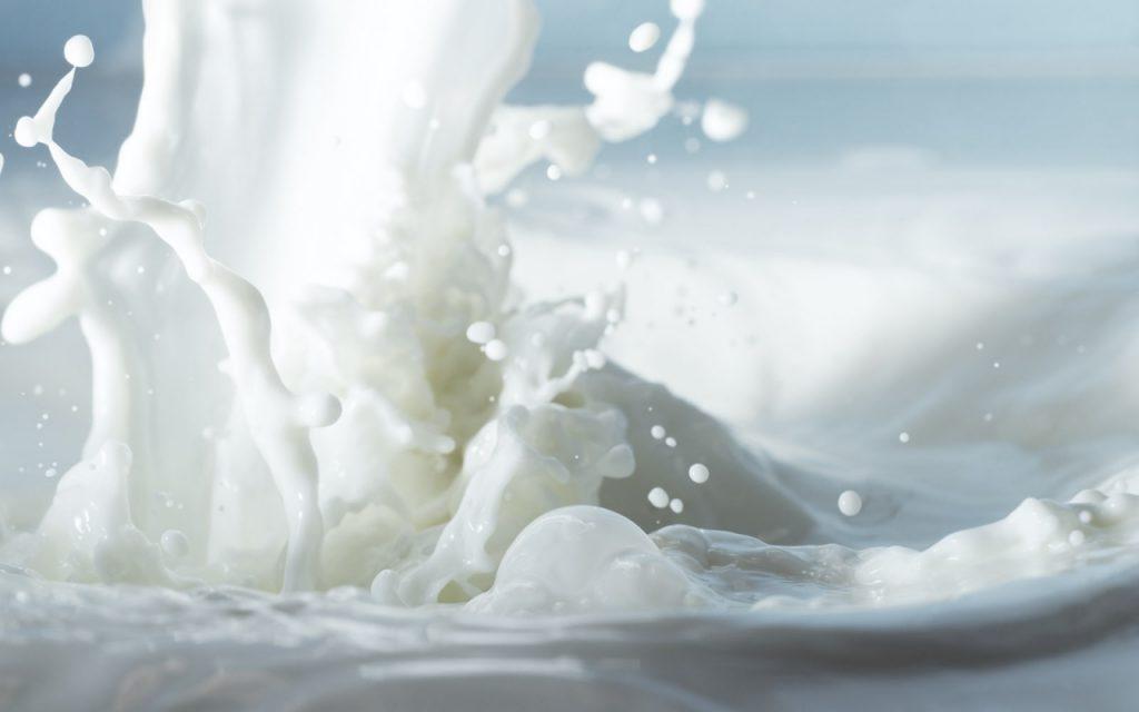 milk splash up close wallpapers