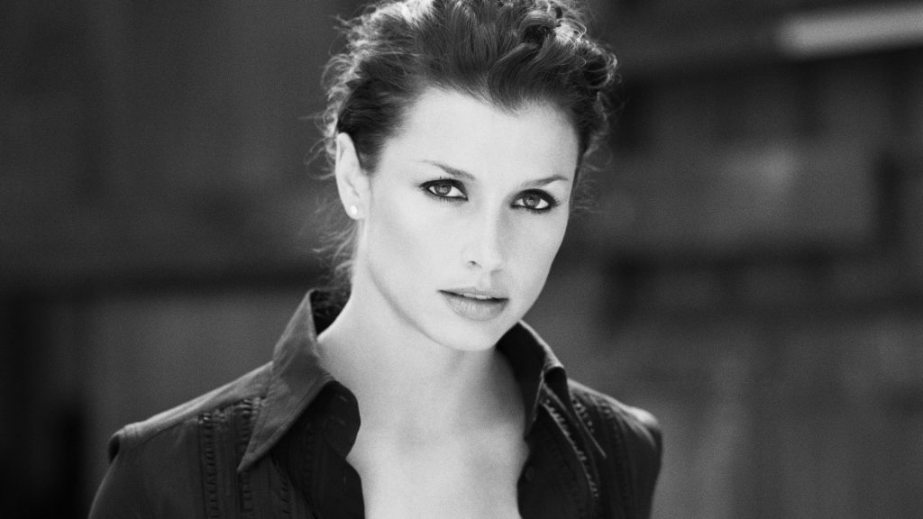 monochrome bridget moynahan wallpapers
