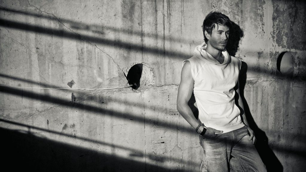 monochrome enrique iglesias wallpapers