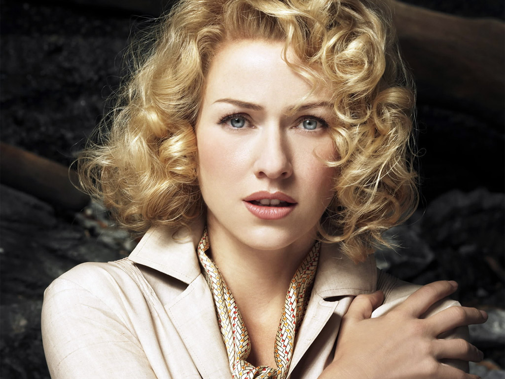 beautiful naomi watts wallpaper - photo #9
