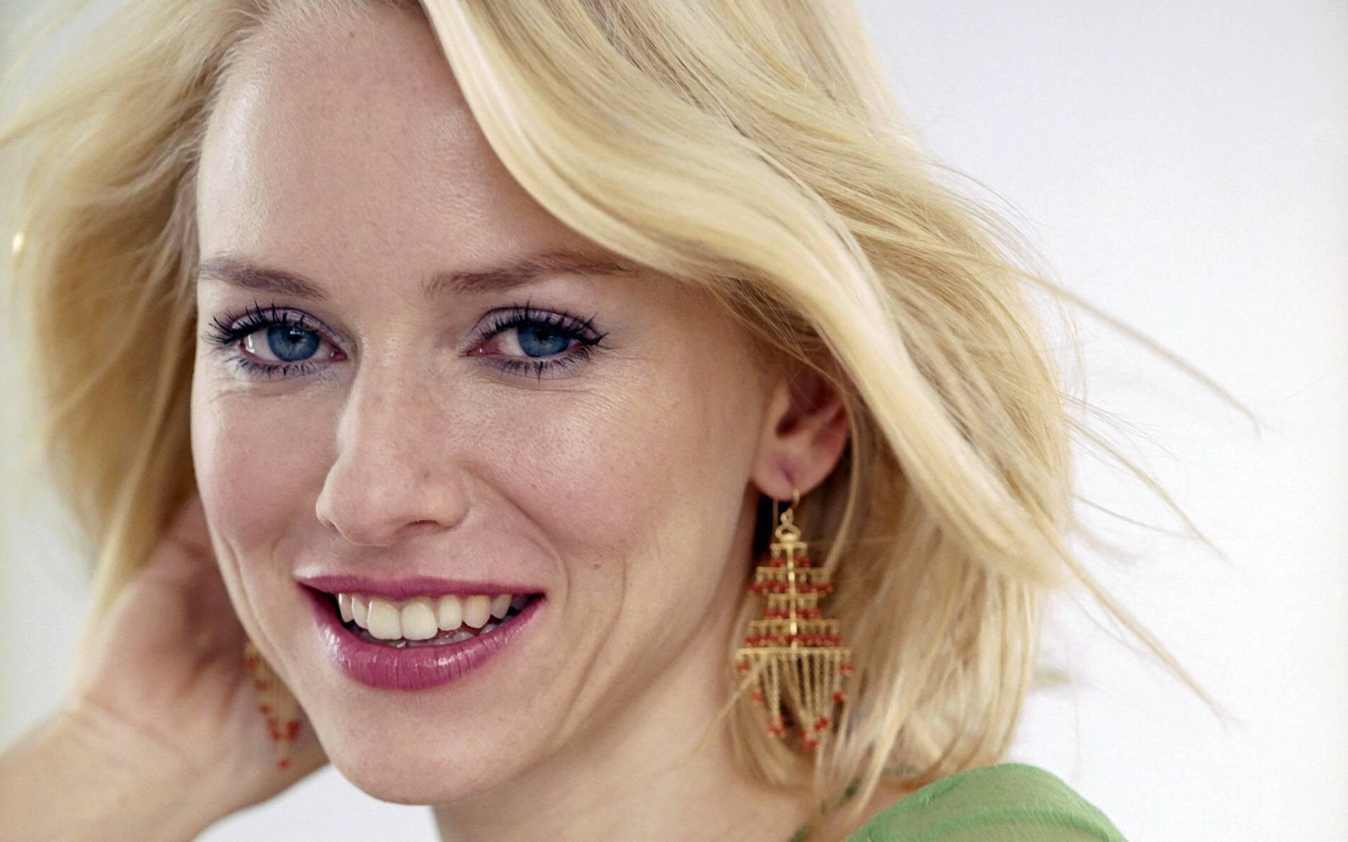 beautiful naomi watts wallpaper - photo #11