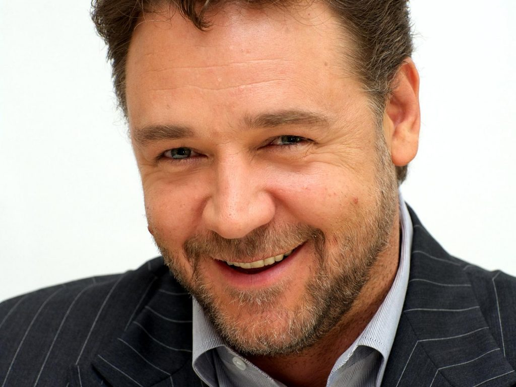 russell crowe smile wallpapers