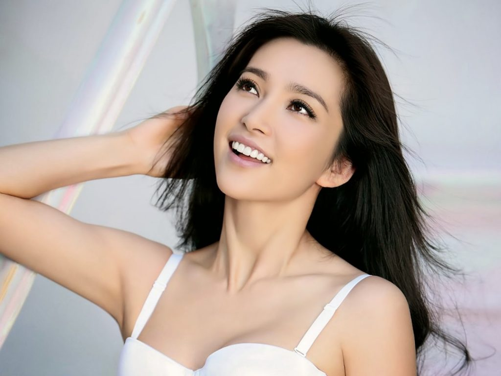 yang mi smile wallpapers