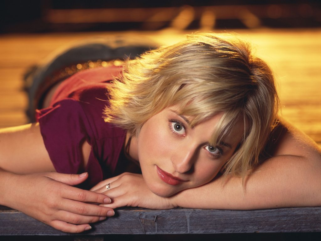 allison mack background wallpapers