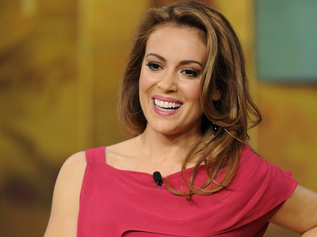 alyssa milano smile photos wallpapers