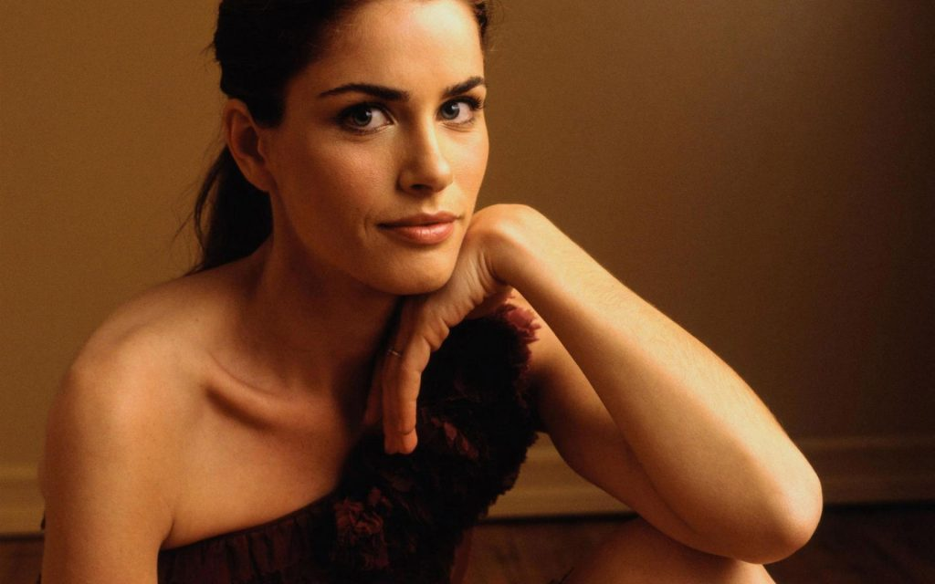 amanda peet celebrity wallpapers