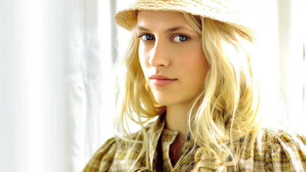 cute teresa palmer wallpapers