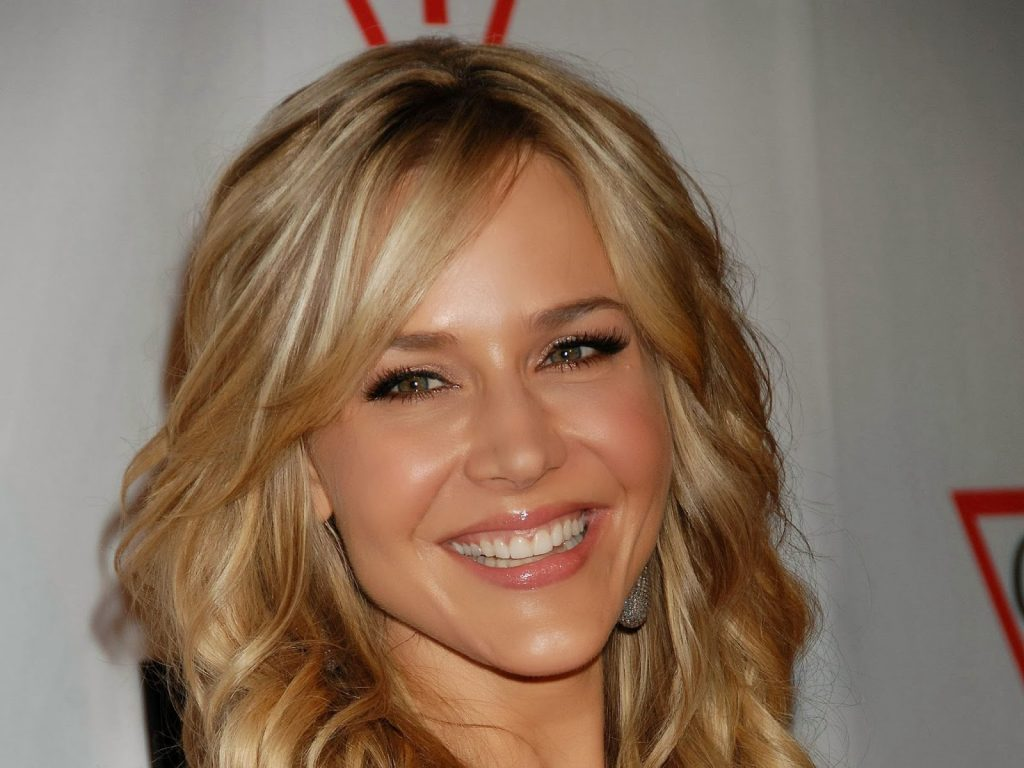 julie benz smile photos wallpapers