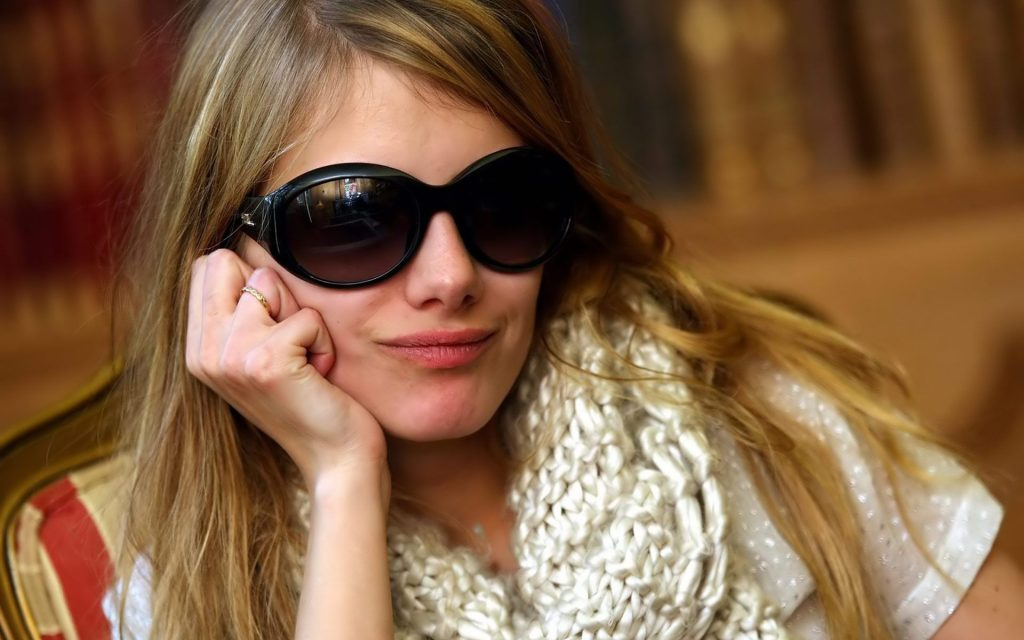 melanie laurent glasses wallpapers