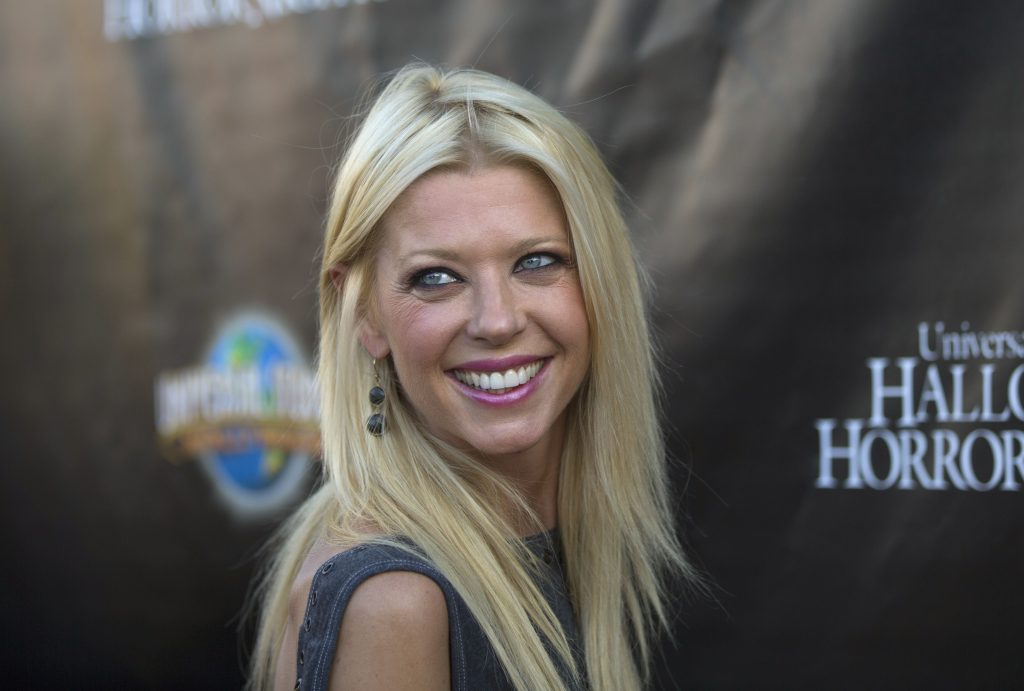 tara reid celebrity widescreen wallpapers