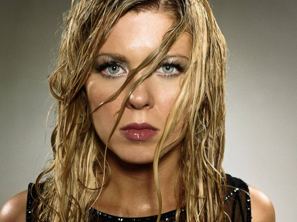 tara reid hot wallpapers