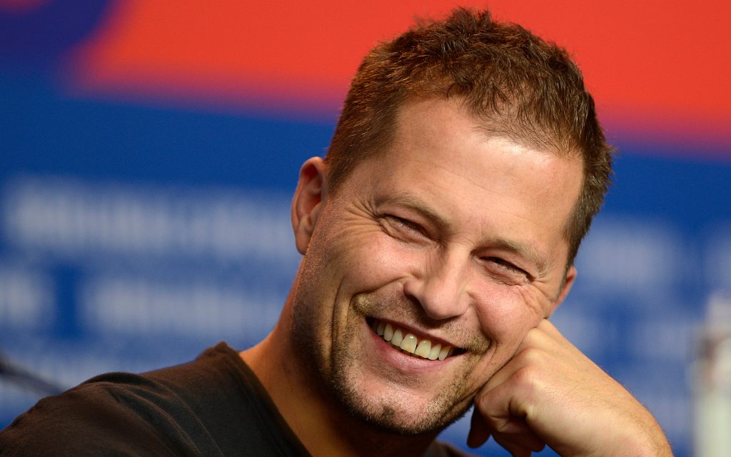 til schweiger smile background wallpapers
