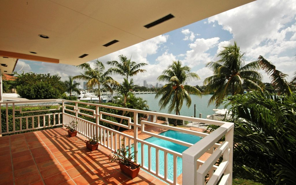 balcony view wallpaper - photo #7