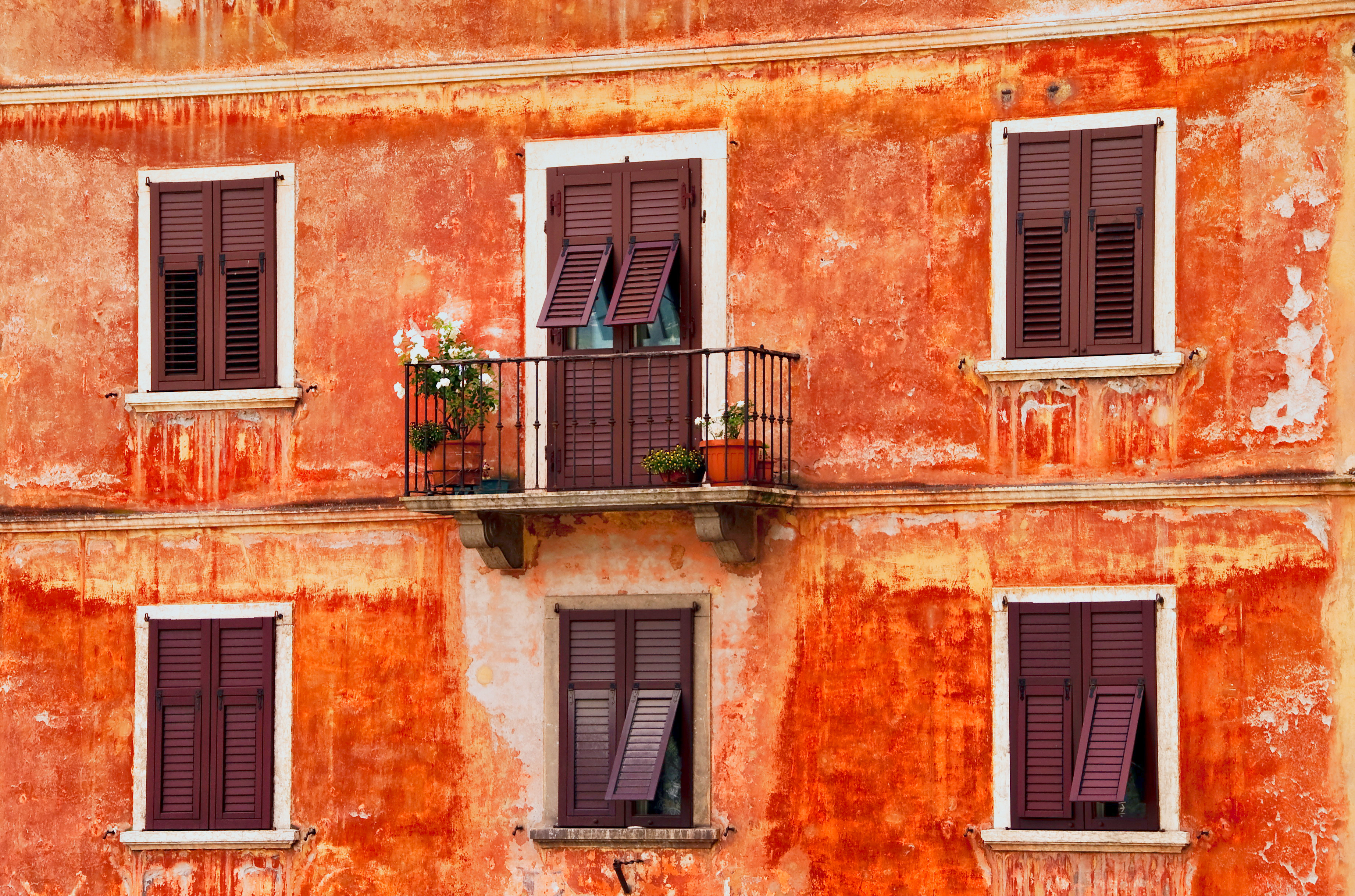 13 fantastic hd balcony wallpapers for Balcony images