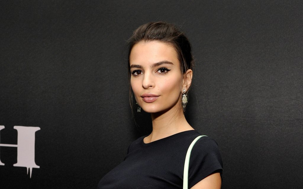 emily ratajkowski background wallpapers