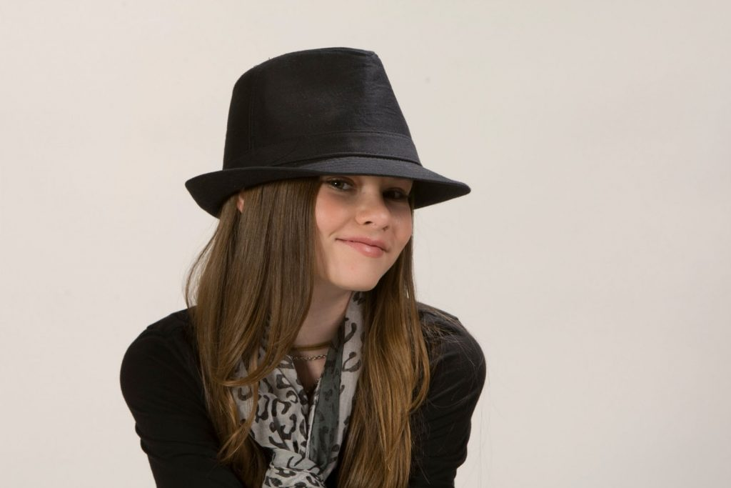 madeline carroll hat wallpapers