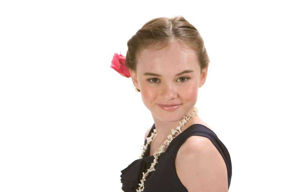 madeline carroll background wallpapers