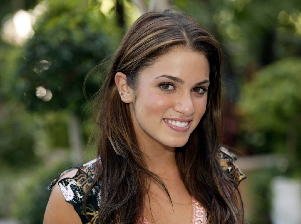 nikki reed smile pictures wallpapers