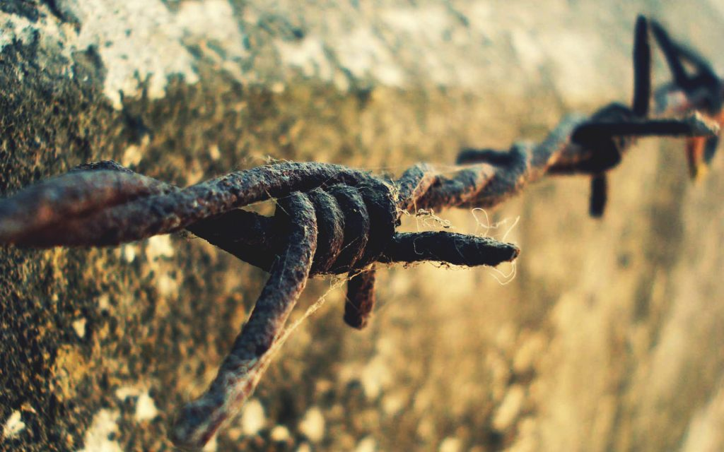 rusty barb wire wallpapers