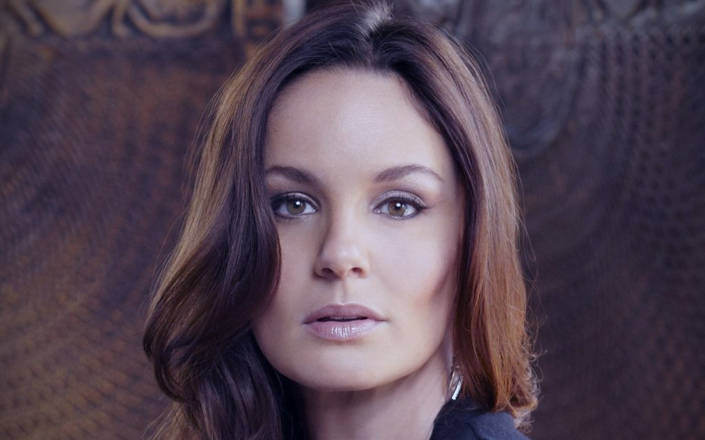 sarah wayne callies face wallpapers