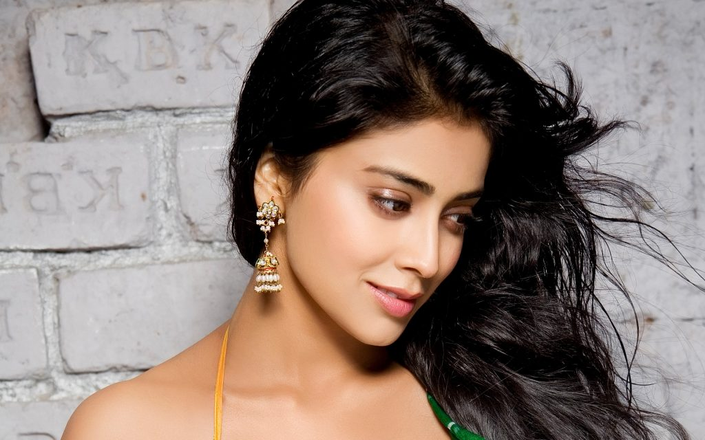 shriya saran background hd wallpapers