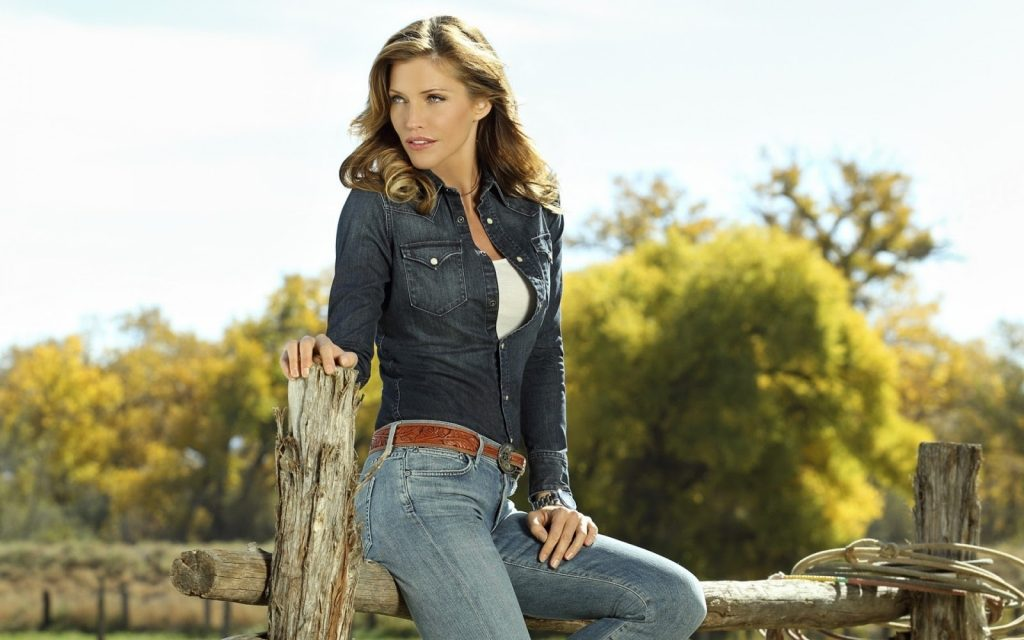 tricia helfer model wallpapers