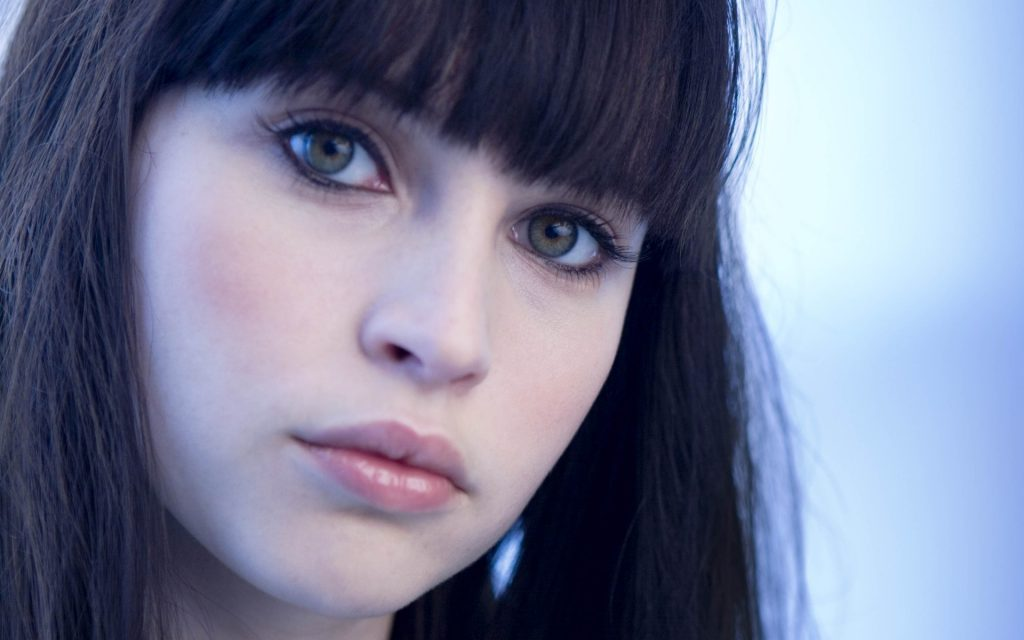 beautiful felicity jones wallpapers