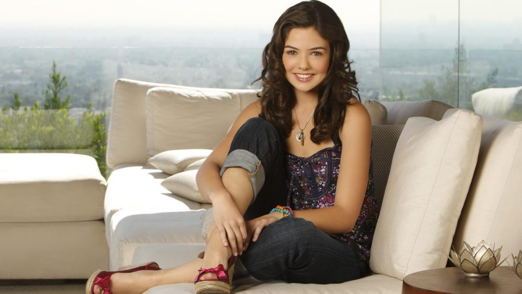 danielle campbell celebrity hd wallpapers