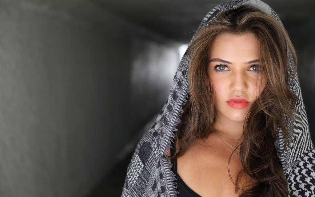 danielle campbell makeup wallpapers