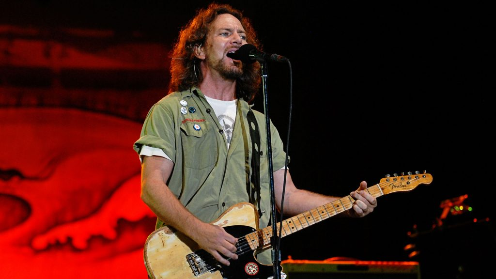 eddie vedder performing wallpapers