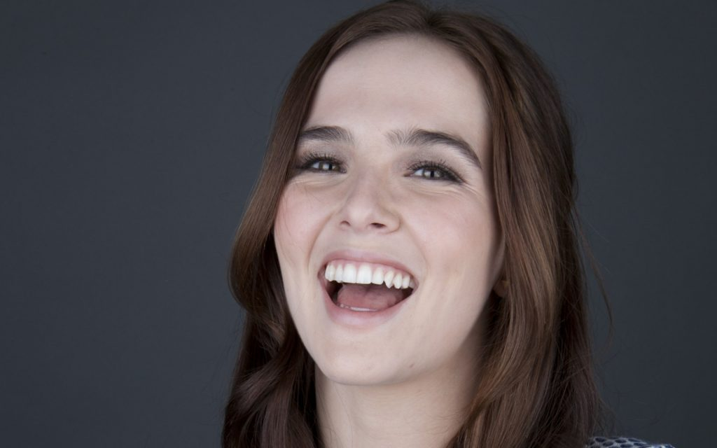 happy zoey deutch wallpapers