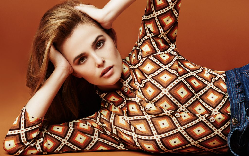 hot zoey deutch wide wallpapers