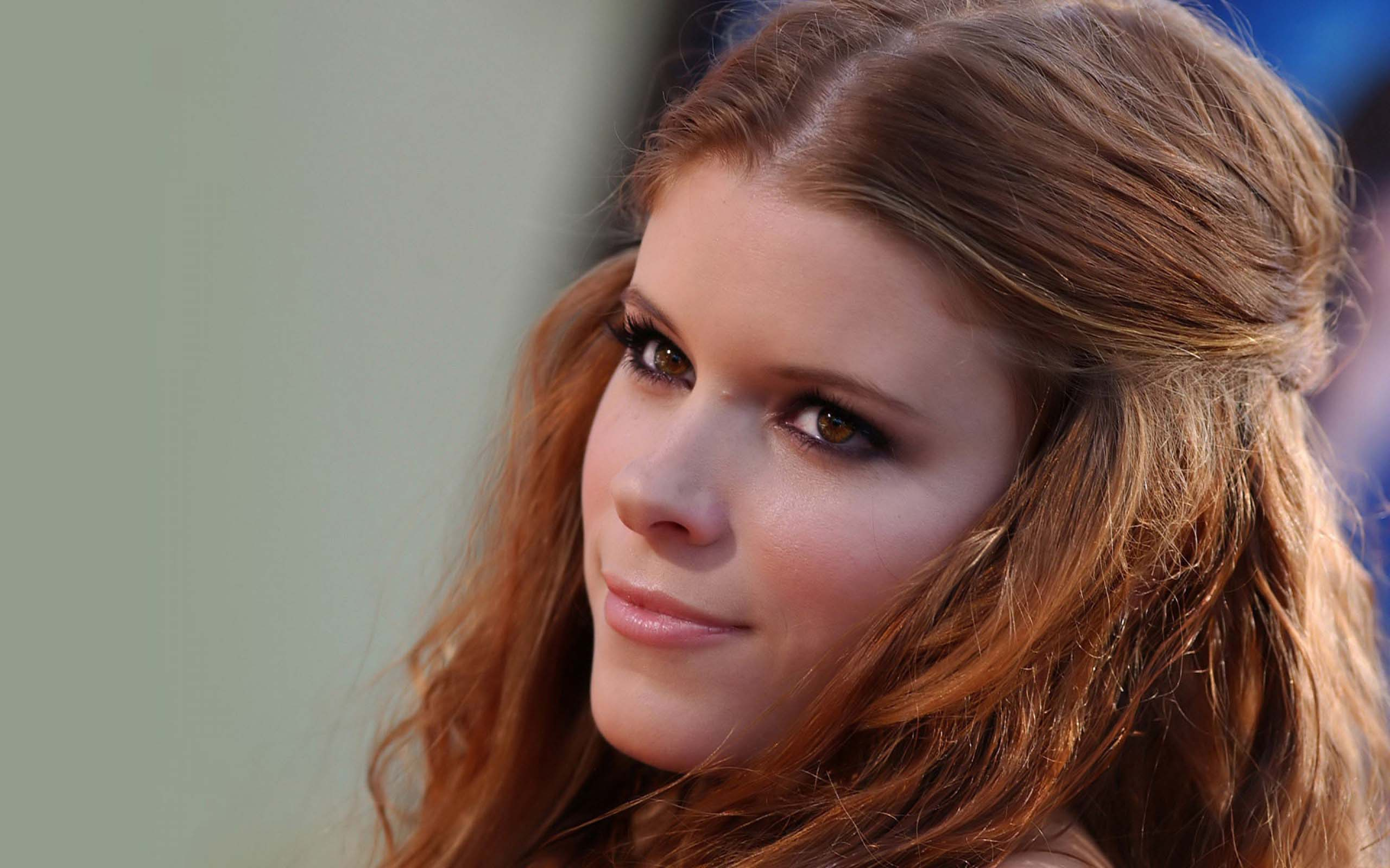 Mara: 16 Beautiful HD Kate Mara Wallpapers