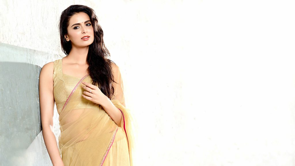 meenakshi dixit background wallpapers