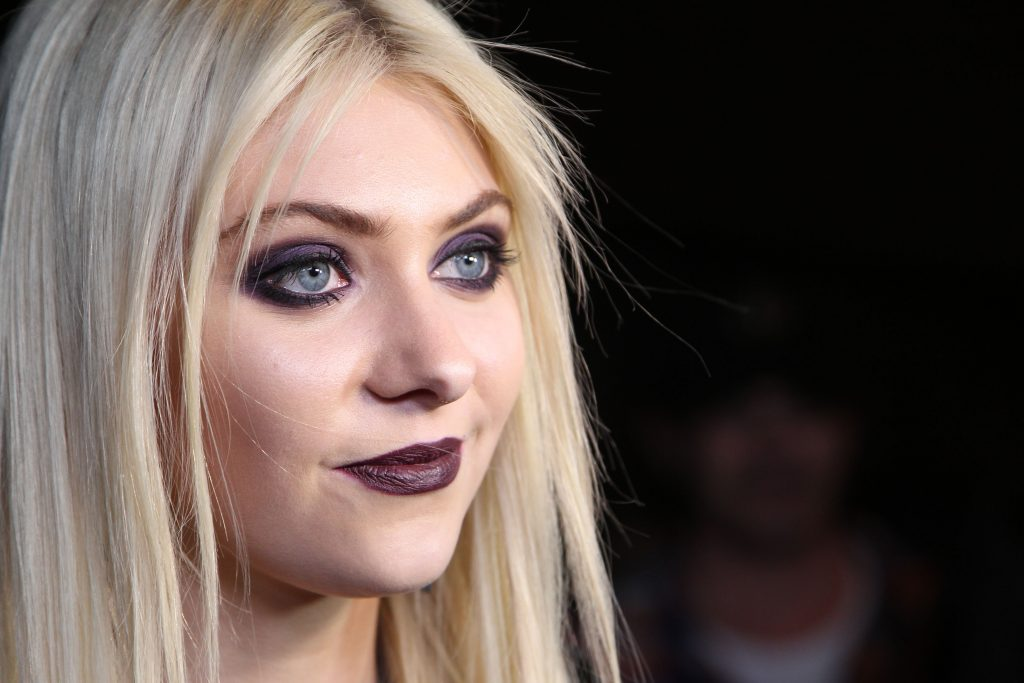 taylor momsen makeup widescreen wallpapers