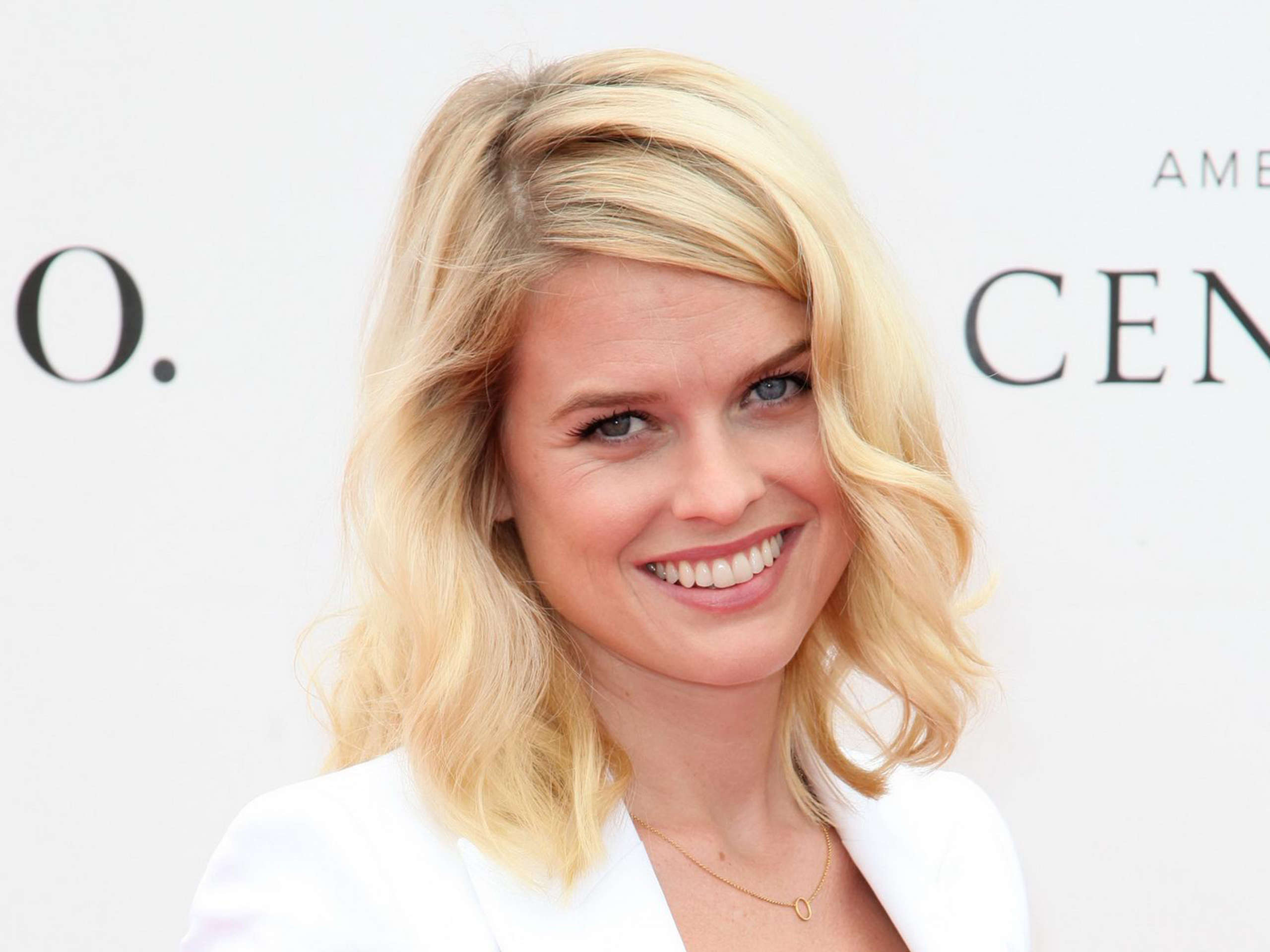 13 HD Alice Eve Wallpapers - HDWallSource.com