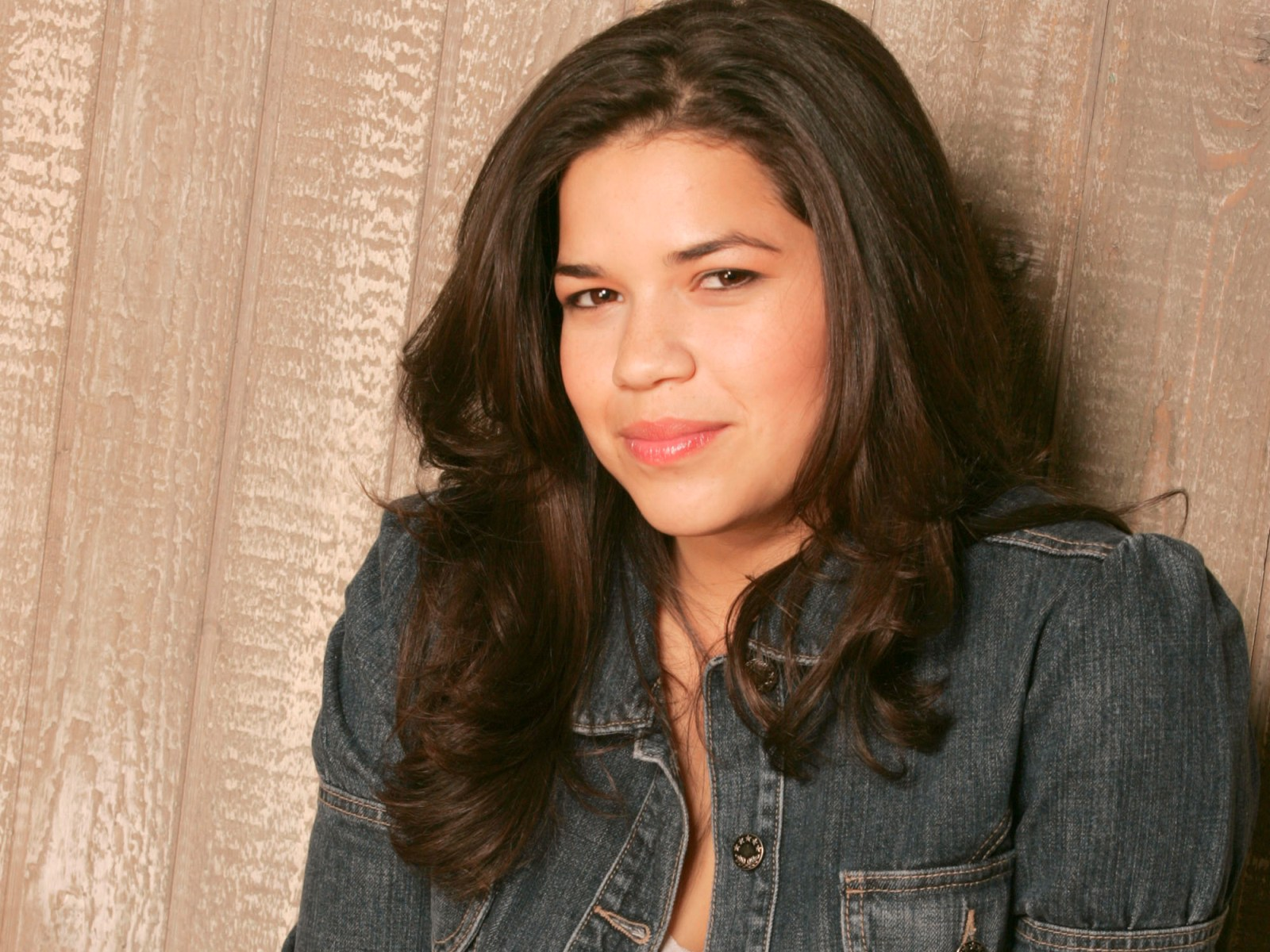 3 HD America Ferrera Wallpapers