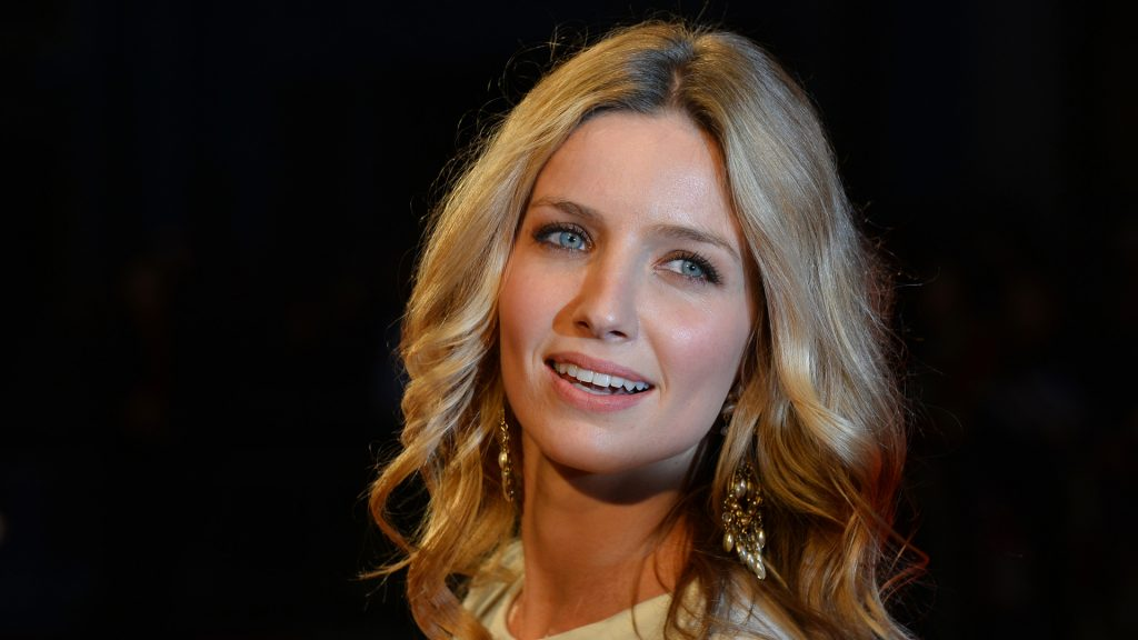 annabelle wallis celebrity hd wallpapers