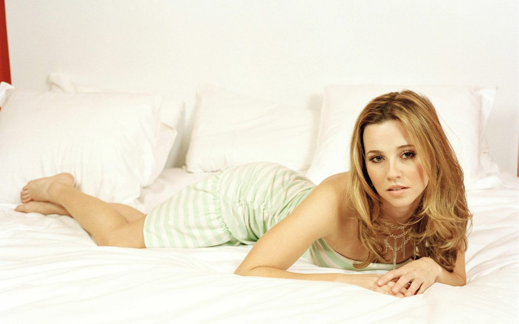 Linda Cardellini Wallpapers