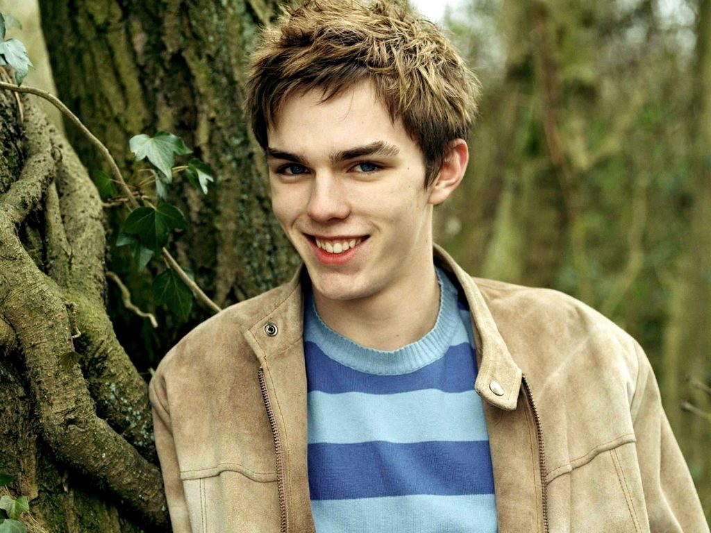 nicholas hoult smile wallpapers