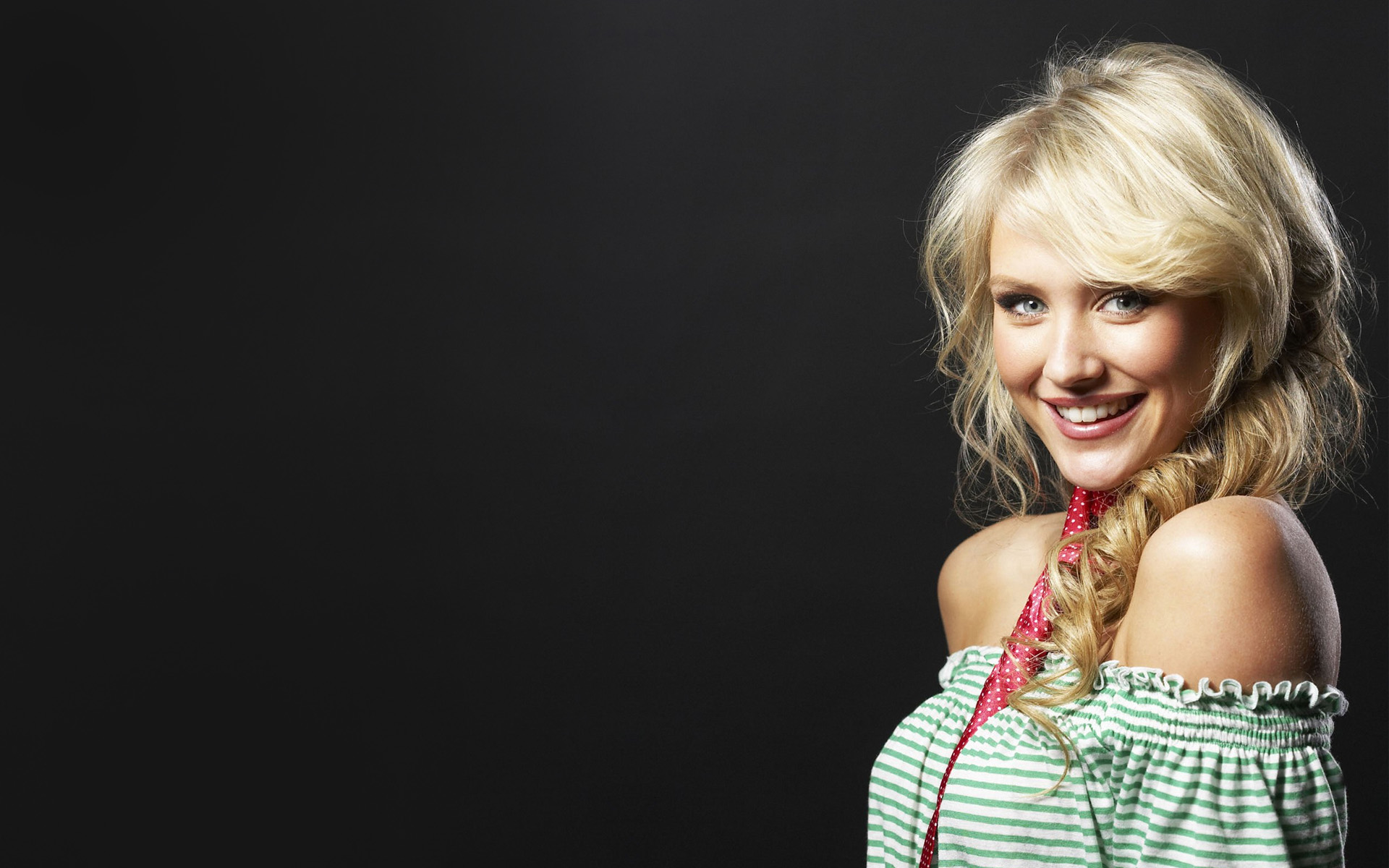 6 Beautiful HD Nicky Whelan Wallpapers  HDWallSourcecom